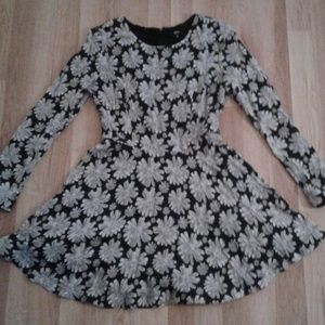 UO Gorgeous Floral Long Sleeve 90s Inspired Dress